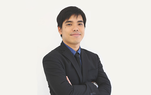 Mr. Gritsada  Huncharoen